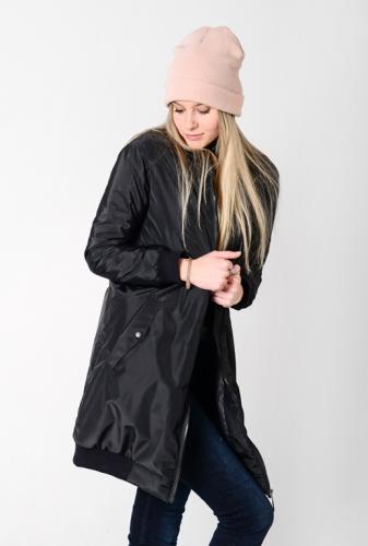Удлиненный женский бомбер с утеплителем и фигурными карманами, цвет -черный