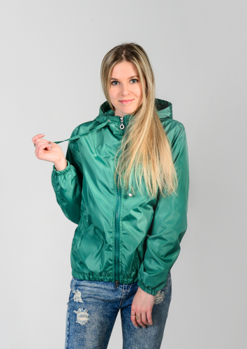 890 1190Куртка-ветровка женская,с капюшоном,цвет-изумрудный, Арт. KG-002