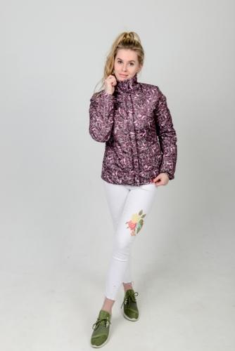 Демисезонная женская куртка с воротником-стойкой из принтованной ткани,,