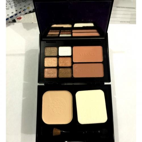 Набор Versace Travel Makeup Palette 6 colour eyeshadow 2 colour blusher 1 colour powder 18g 12g 12g №3(копия)