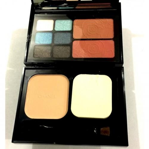 Набор для путешествий Chanel Travel Makeup Palette Essentiels De Maquillage De Voyage 18g+12g+12g №4(копия)