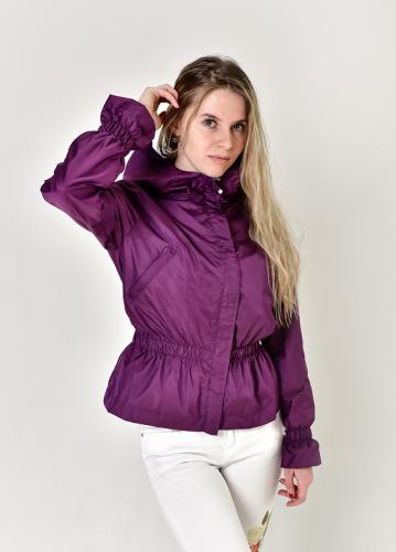 Женская ветровка с подолом-баской, цвет- фиолетовый