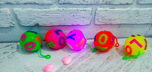 Мяч с колючками на резинке+звук+свет