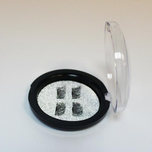 Магнитные накладные ресницы HUDA BEAUTY №010