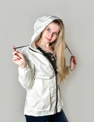 Женская ветровка с отлетной кокеткой, цвет -кремовый KG 011