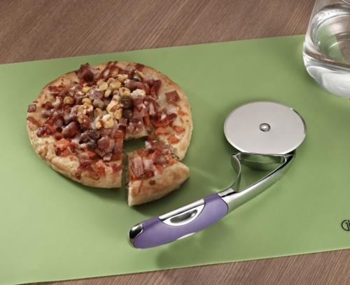 9770 GIPFEL Резак для пиццы DIUM 19 см фиолетовый (нерж. сталь, силикон)