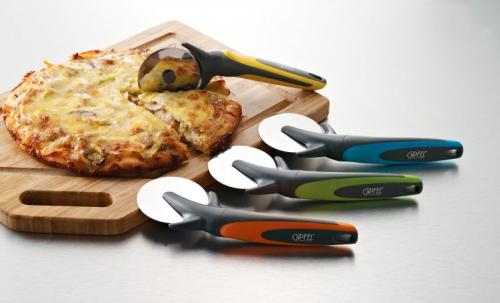 6474 GIPFEL Резак для пиццы TRAMONTO 20,2х7,0 см Материал: ABS plastic+18/0 часть функции с/с стр & ручка tpr