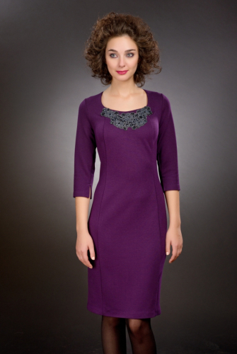 Платье фиолетовый с нашивкой