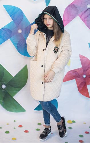 Велюровое пальто для девочки