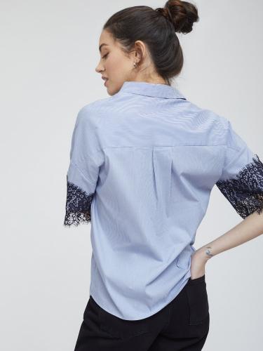 Рубашка с отделкой из кружева