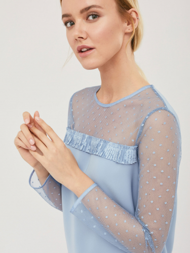 Блуза с прозрачными деталями