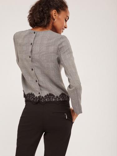 Блуза с застёжкой на спинке