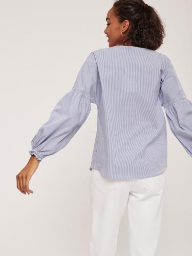 Хлопковая блуза с объемными рукавами