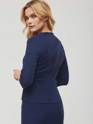 Блуза с кожаной вставкой