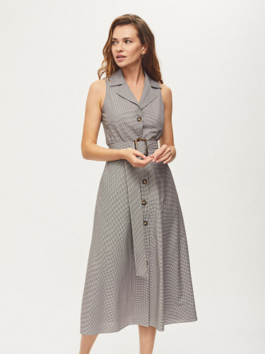 Платье с лацканами и поясом