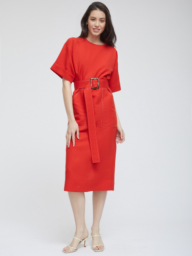 Льняное платье с контрастной строчкой