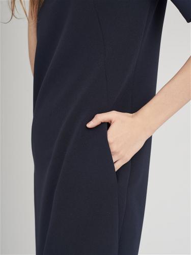 Платье со съемным воротником