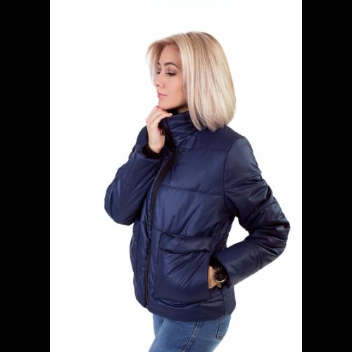 Утепленная женская куртка с обьемным карманом, цвет - синий KG013