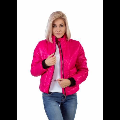 Утепленная женская куртка с обьемным карманом цвет фуксия KG013