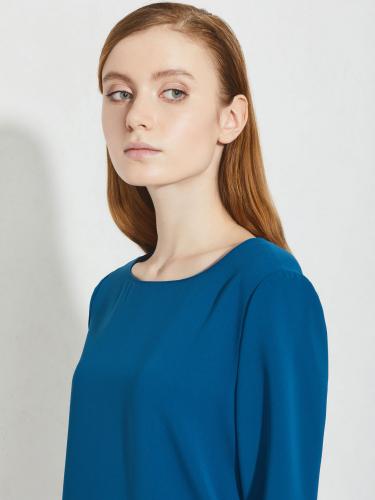 Блуза с разрезами