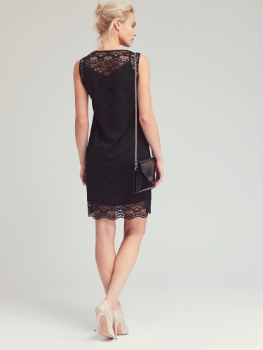 Кружевное платье без рукавов