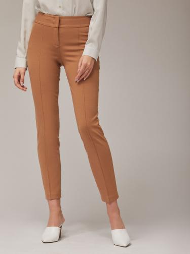 Укороченные зауженные брюки из трикотажной ткани