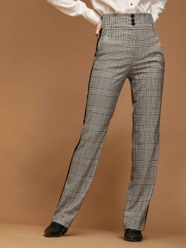Прямые брюки с лампасами