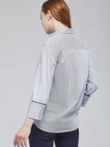 Рубашка в тонкую полоску