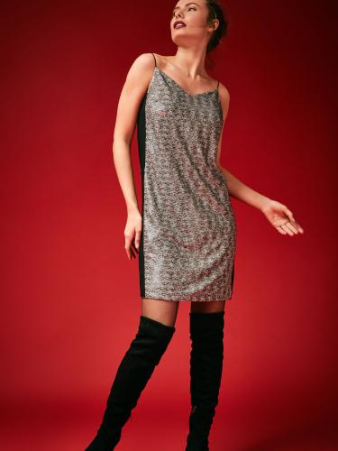Платье-мини с пайетками на бретелях