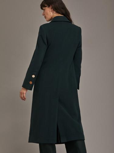 Двубортное пальто облегающего силуэта