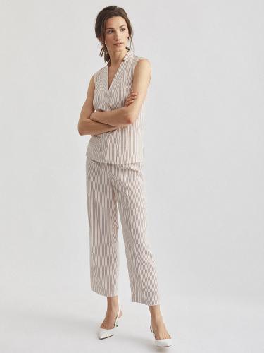 Укороченные брюки изо льна