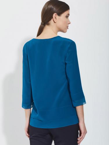 Свободная шелковая блуза