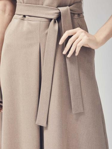 Платье из вискозы с расклешённой юбкой