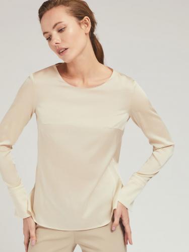 Блуза с расклешенными манжетами