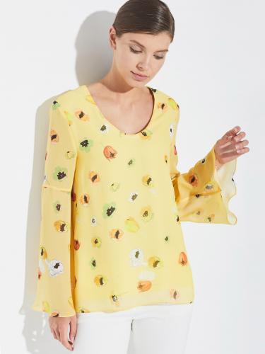 Блуза с расклешёнными рукавами