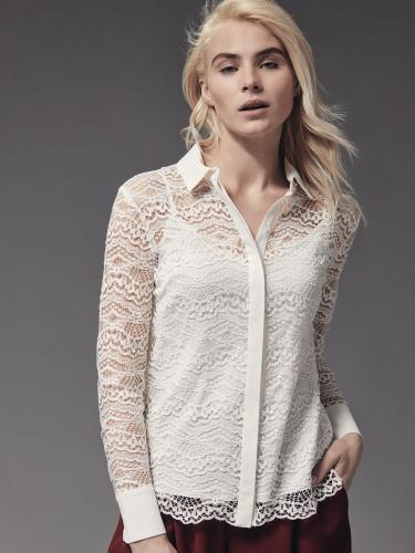 Кружевная блуза с отложным воротником