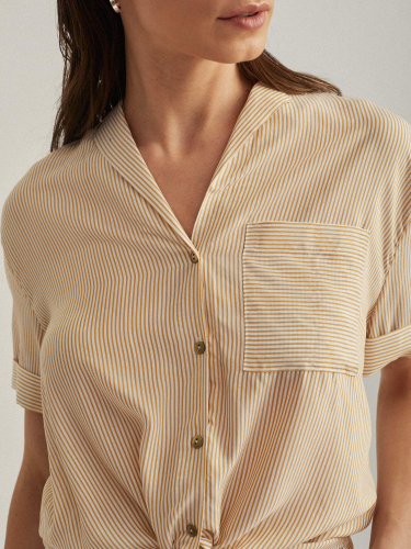 Рубашка с завязками