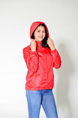 Арт.KG-006 Куртка-ветровка укороченная с капюшоном,цвет-красный