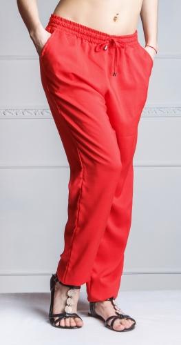 Летние женские брюки из однотонного штапеля.Цвет-коралл