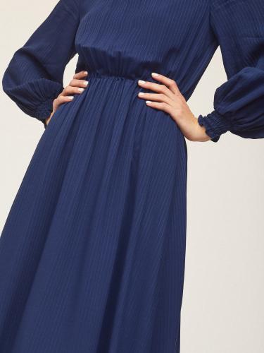 Фактурное платье миди