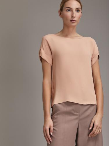 Блуза со спущенной линией плеча