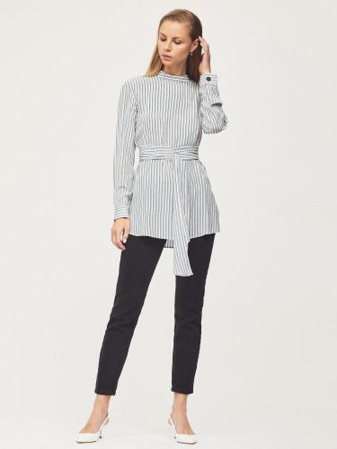 Удлиненная блуза с поясом