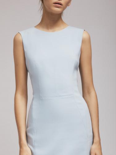 Платье-футляр длиною до колена