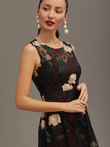 Двухслойное платье с цветочным принтом