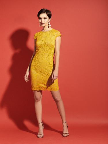 Кружевное короткое платье