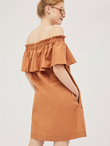 Хлопковое платье с открытыми плечами