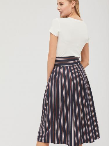 Объемная юбка с пуговицами