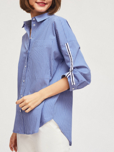 Рубашка с контрастными хлястиками