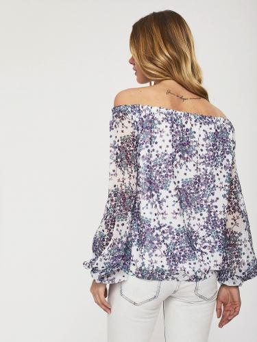 Блуза со спущенными плечами