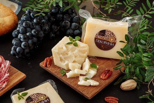 Сыр Пекорини из овечьего молока, 45%_2700 руб/кг